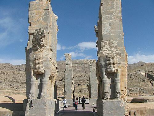 کاخ دروازه ملل-تخت جمشید