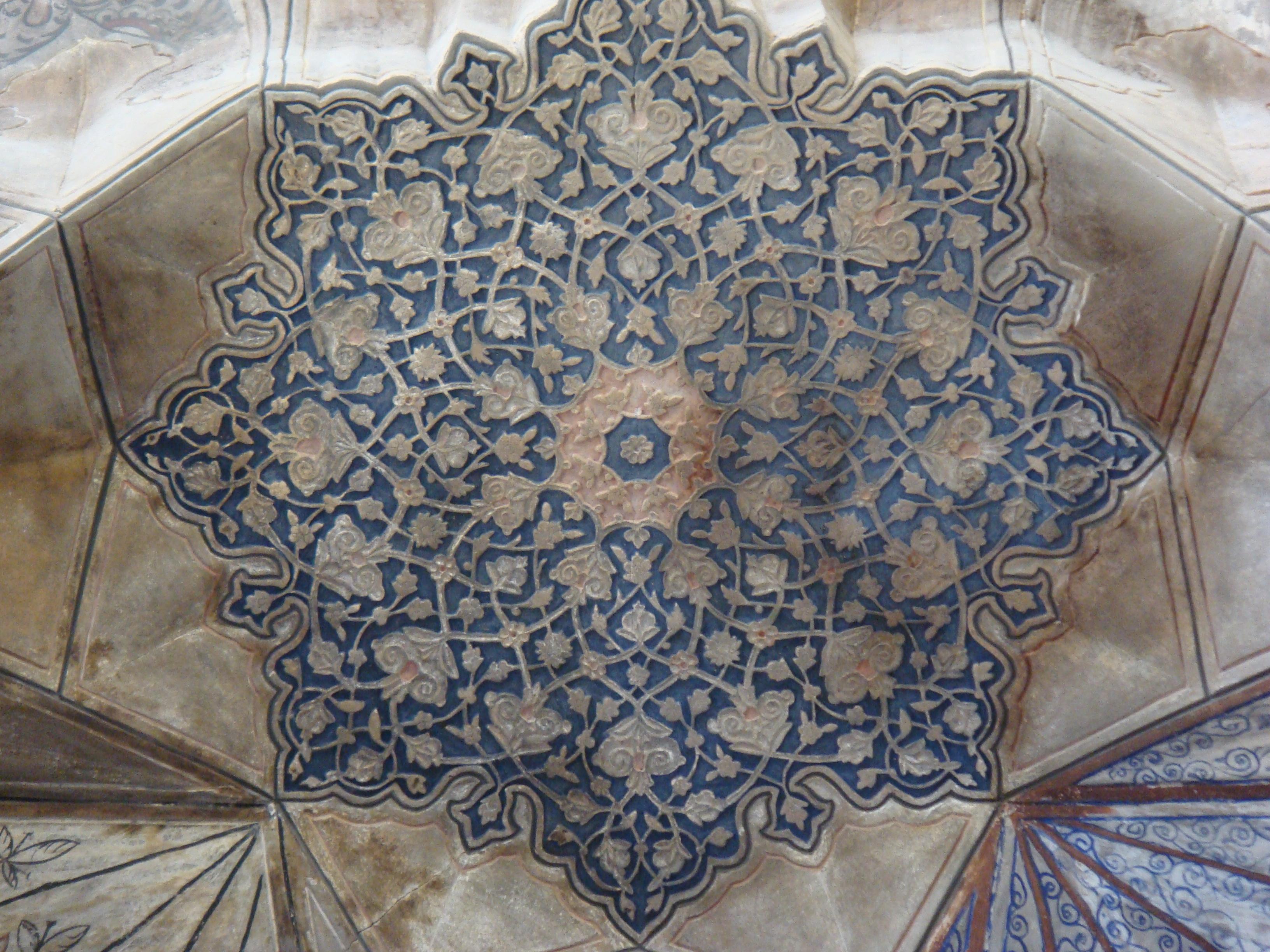 سر در حمام گنجعلی خان، بازار کرمان