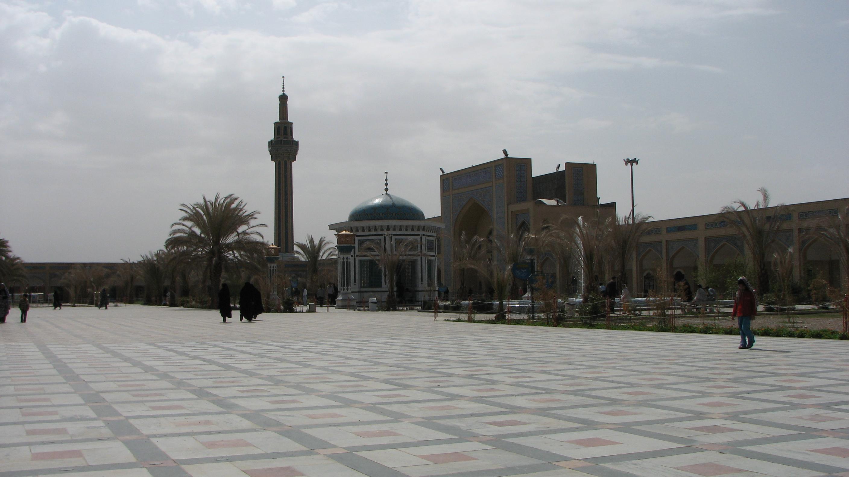 آستانه ی متبرک حضرت حسین بن موسی کاظم (ع) طبس
