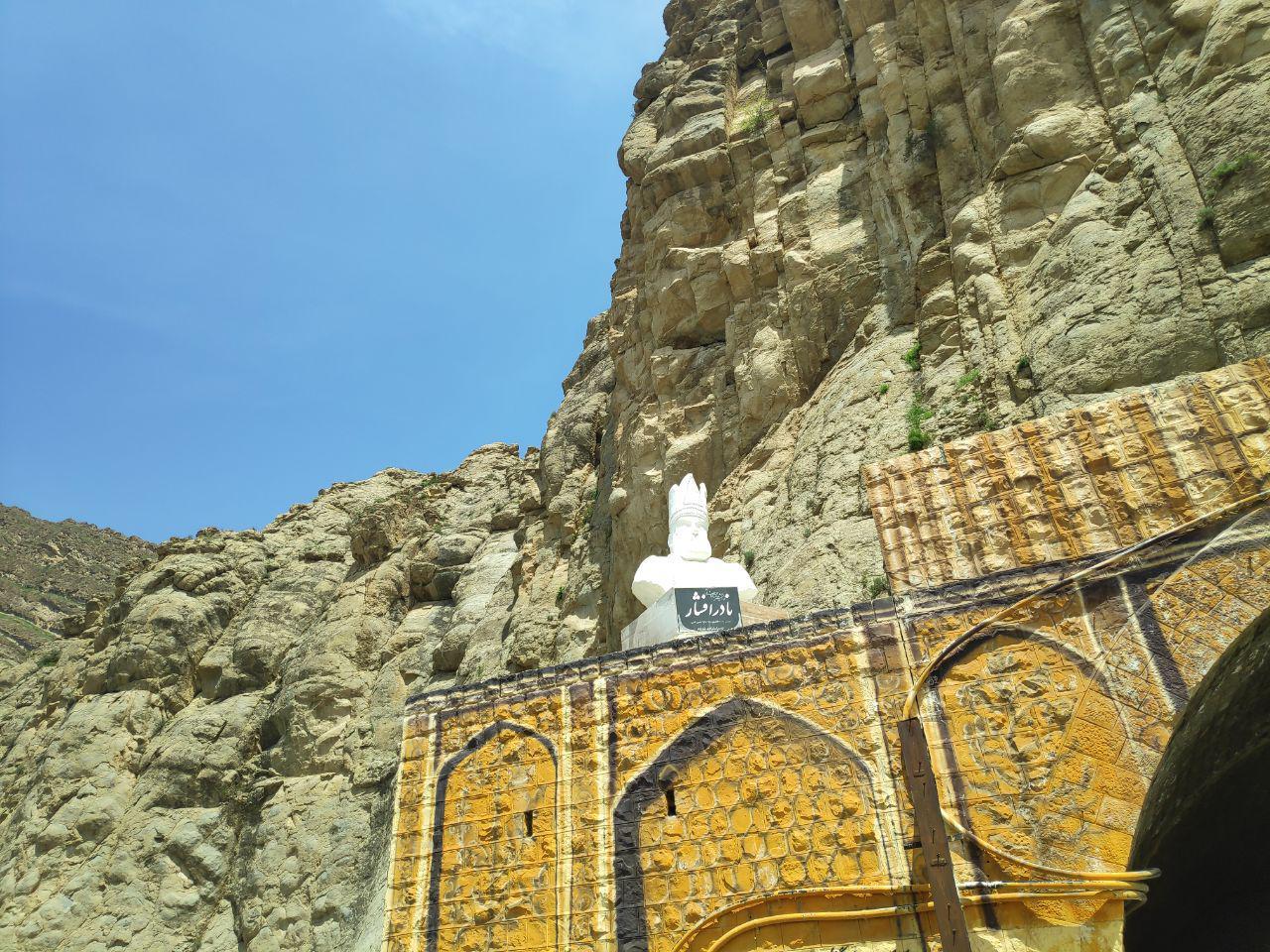 «تندیس نادر شاه افشار در ورودی شهر کلات نادری»