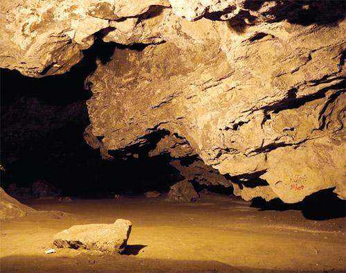 تالار غار مزدوران