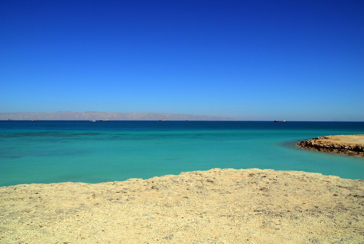 ساحل نقرهای کیش