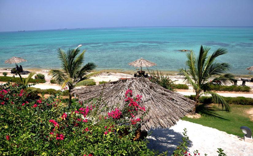 تفریحات آبی مهیج در جزیرۀ زیبا و بینظیر کیش