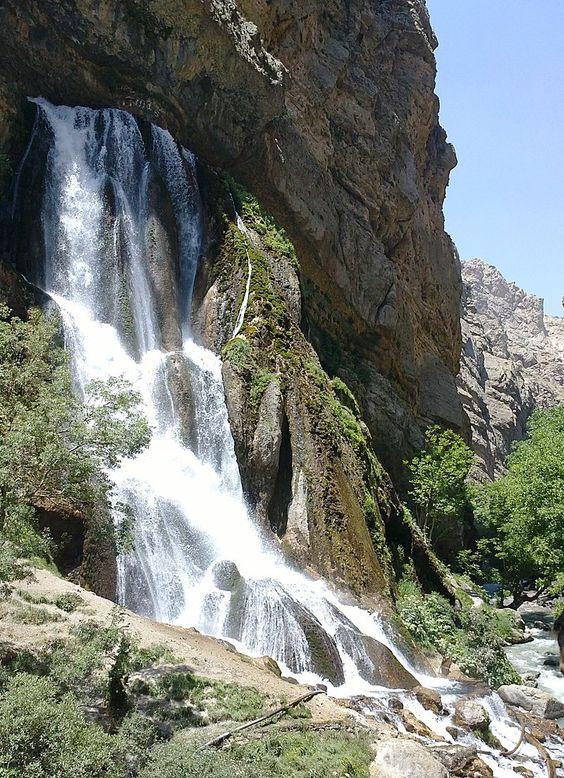 آبشار اب سفید - الیگودرز - لرستان