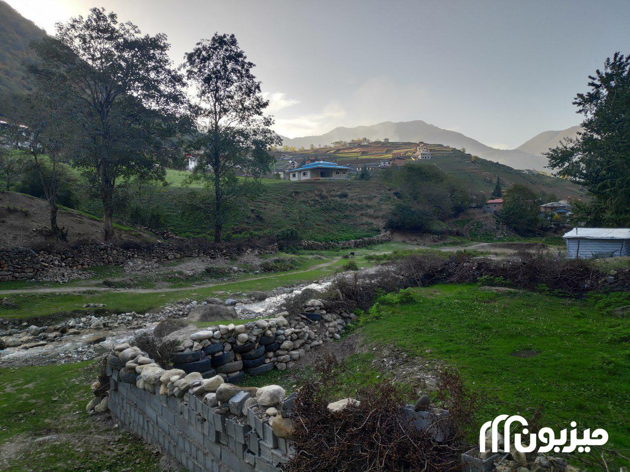 شهرستان نور، روستای لاویج