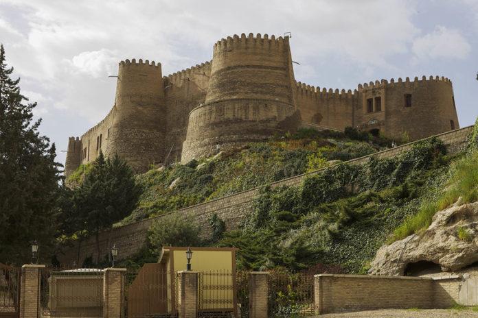 خرمآباد - قلعه تاریخی فلکالافلاک