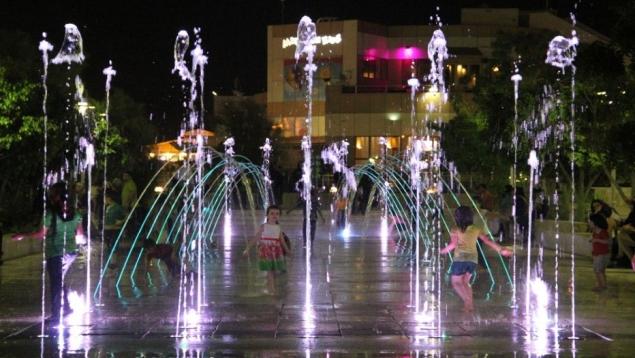 آب نما در پارک شهر