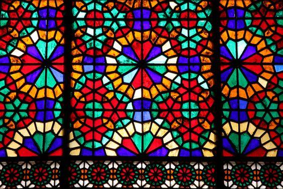 شیشههای رنگی در باغ دولت آباد یزد