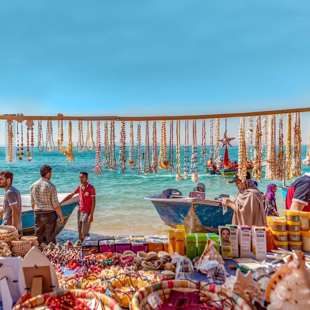 بازار در جزیرۀ هنگام