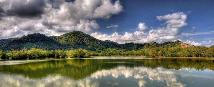تالاب استیل آستارا و رشتهکوه اسپیناس