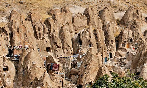 روستای صخرهای کندوان در حوالی تبریز