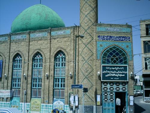 مسجد آیتالله انگجی در محلۀ راسته کوچه در شهر تبریز
