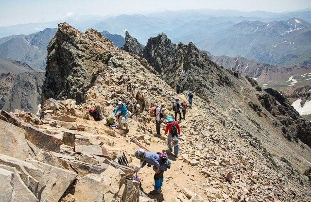 علم کوه یکی از جاذبههای گردشگری کلاردشت