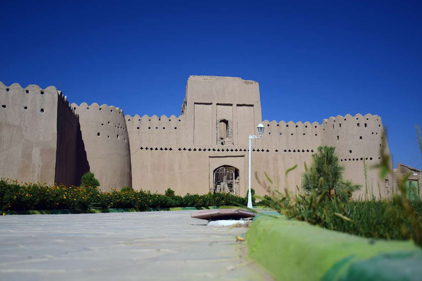قلعه حیدر آباد در حوالی شهرستان خاش