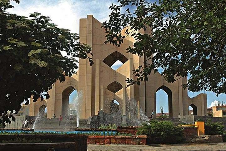 مقبرهالشعرا در شهر تبریز