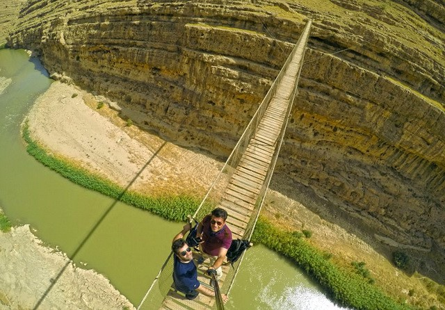 پل چوبی معلق، پل ارتباطی استان لرستان به استان ایلام