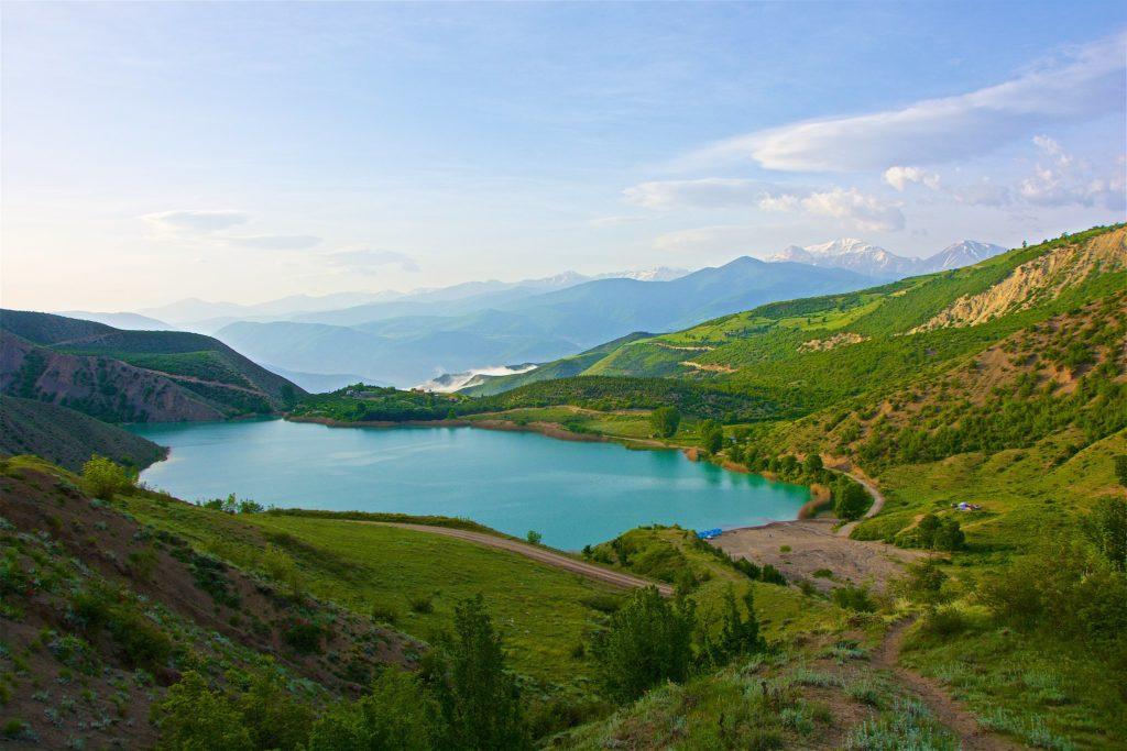 دریاچه ولشت؛ آبی، پنهان، دلربا ...