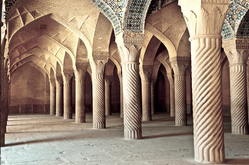 معرفی مسجد وکیل شیراز همراه با عکس و توضیحات کامل