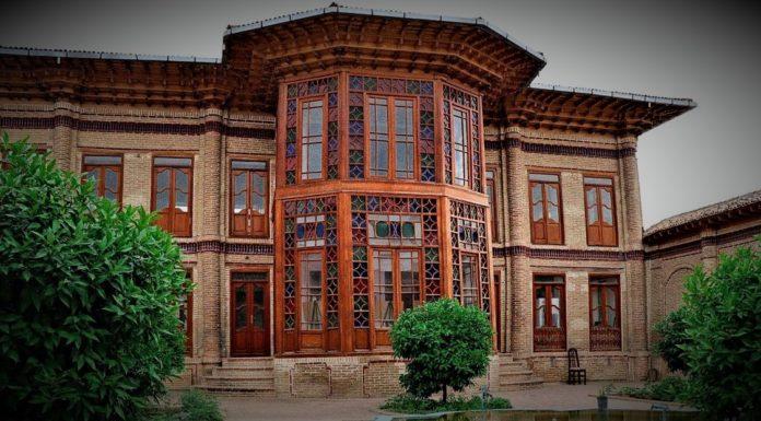 عمارت فاضلیها یکی از جاذبههای گردشگری در شهر ساری