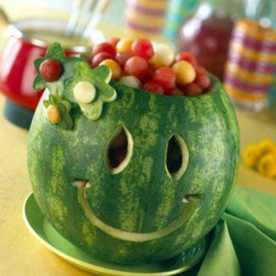 هندوانه میوۀ اصلی سفرۀ شب یلدا