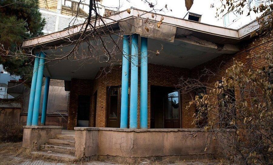 نیما یوشیج در کدام شهر مازندران خانه دارد؟