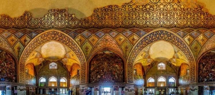 کاخ چهل ستون در شهر اصفهان
