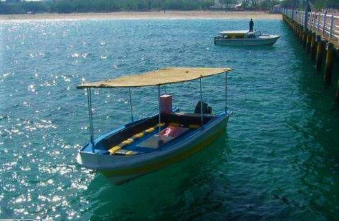 قایقهای کف شیشهای
