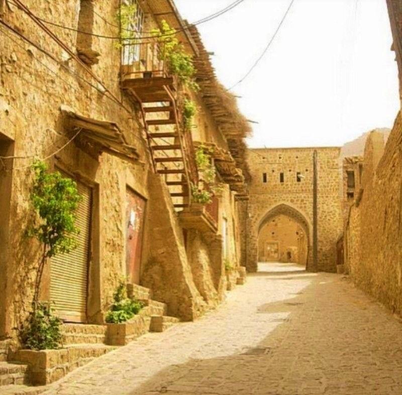 روستای قلات در حوالی شهر شیراز
