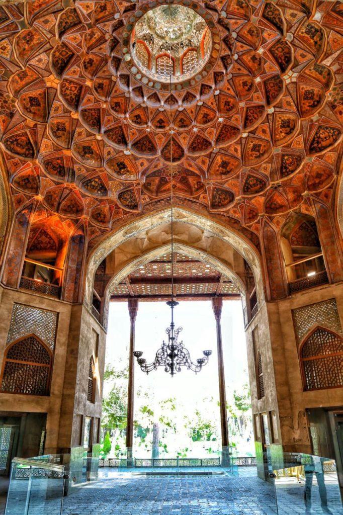 عمارت هشت بهشت در شهر اصفهان