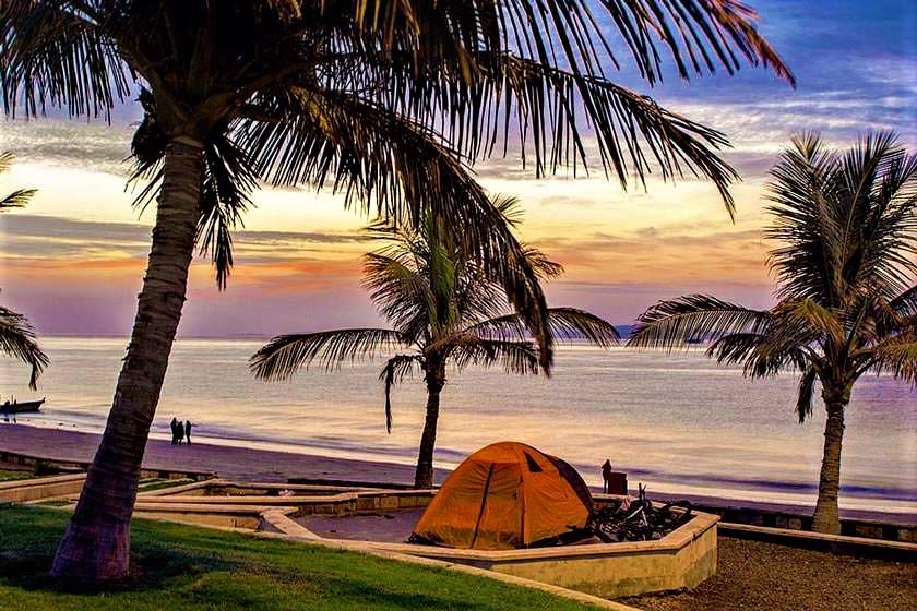پارک ساحلی زیتون در جزیرۀ قشم