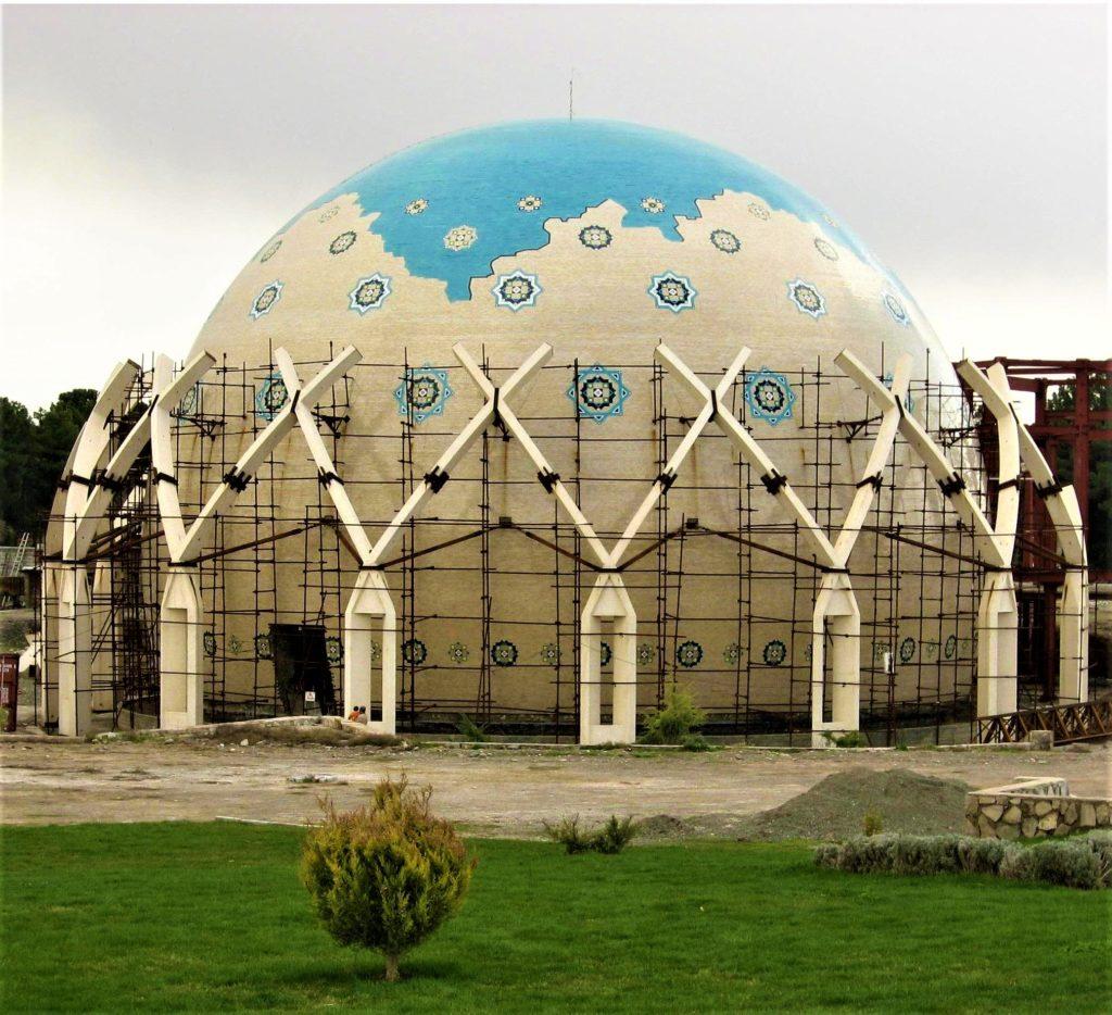 افلاکنمای خیام در شهر نیشابور؛ فرصت دیدار از آسمان فیروزهای
