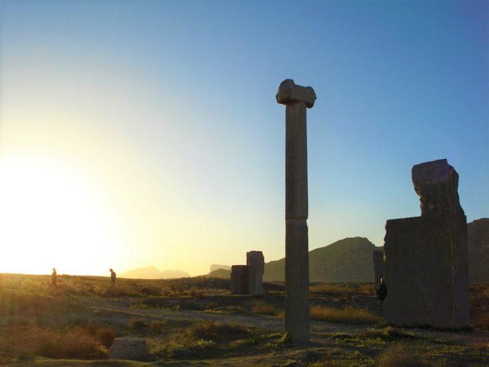 شهر باستانی استخر یا تخت طاووس