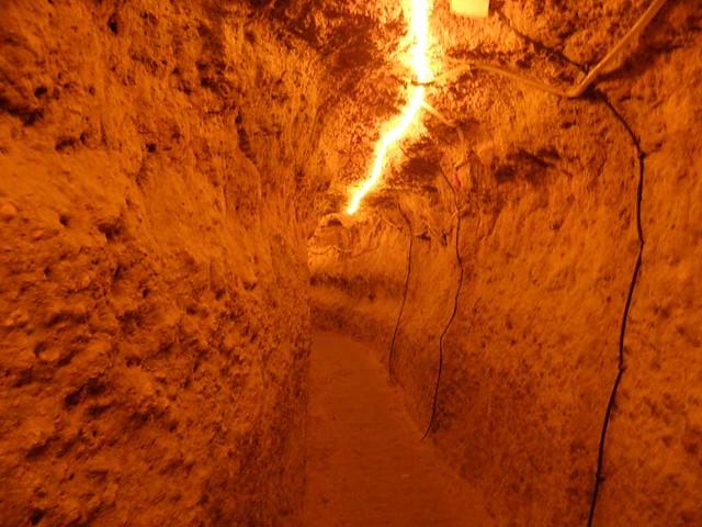 نمایی از غار نیاسر کاشان