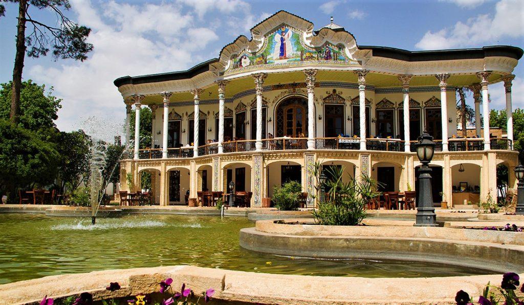 شکوه و صلابت عمارت شاپوری، بنای باشکوه تاریخی، سرشار از نقش و نگار تماشایی