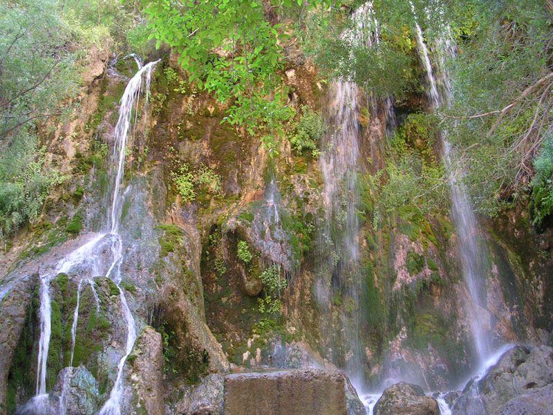 آبشار و چشمانداز ناب بهاری در ییلاق بینظیر اخلمد
