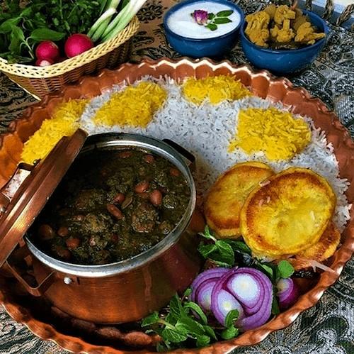 طعم بینظیر غذاهای سنتی و اصیل ایرانی در فضایی منحصر به فرد و چشمنواز