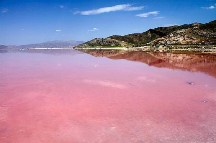 دریاچه مهارلو - جاهای دیدنی ایران در زمستان